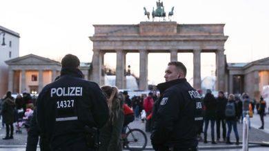Photo of कोविड-19 प्रतिबंधों के खिलाफ बर्लिन में हजारों ने निकाली रैली