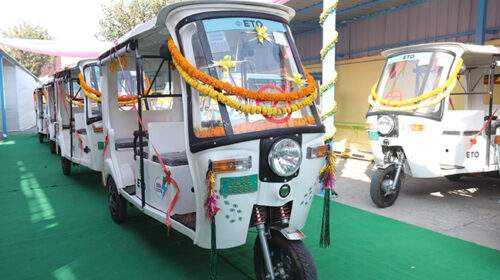 दिल्ली सरकार के सभी विभागों में अब सिर्फ इलेक्ट्रिक वाहनों का उपयोग