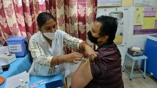 दिल्ली में हो सकती है वैक्सीन की कमी, स्टॉक 6-7 दिनों के लिए ही उपलब्ध