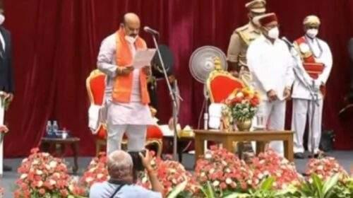 बसवराज बोम्मई ने कर्नाटक के 30वें मुख्यमंत्री के रूप में शपथ ली